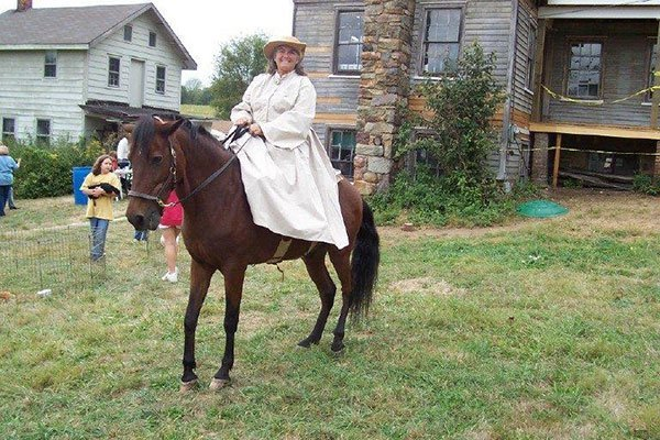 Historical reinactment at the Ayres/Knuth Farm