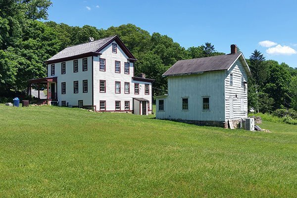 Farmhouse and Tenant House at the Ayres/Knuth Farm