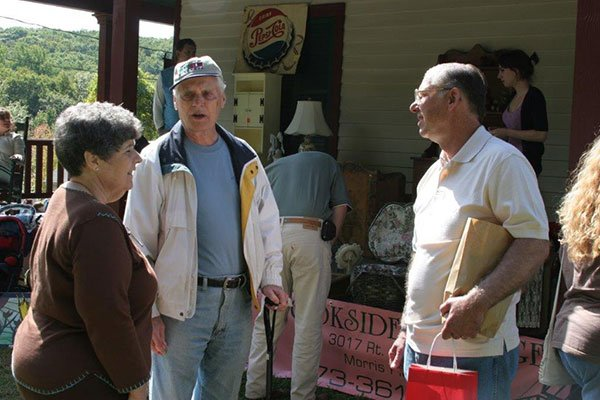 Andy Knuth, Henry and Diane Kafel at the Ayres/Knuth Farm in 2007