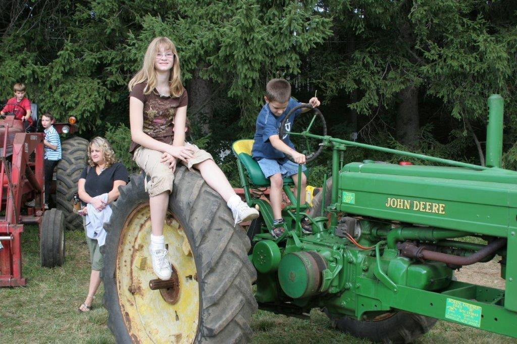 Kids at the Ayres/Knuth Farm