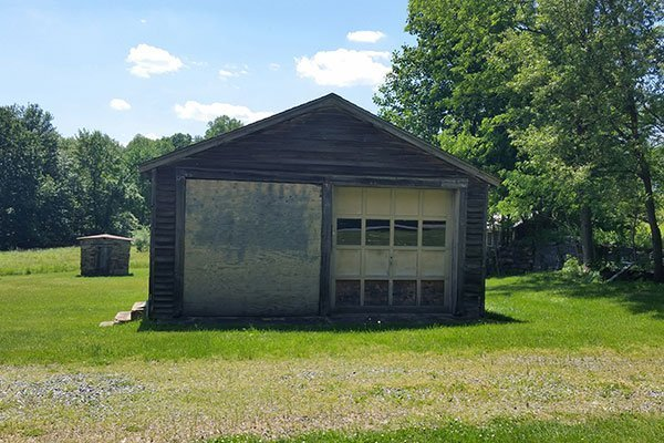 Garage at the Ayres/Knuth Farm